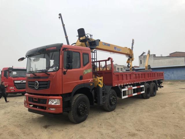 东风特商潍柴270马力加强8.5米货箱14吨徐工随车吊