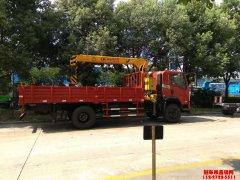 现车资讯,程力随车吊厂家备了5吨、8吨、12吨随车吊现车