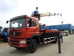T702东风徐工8吨随车吊,最强的、首选的单桥随车吊