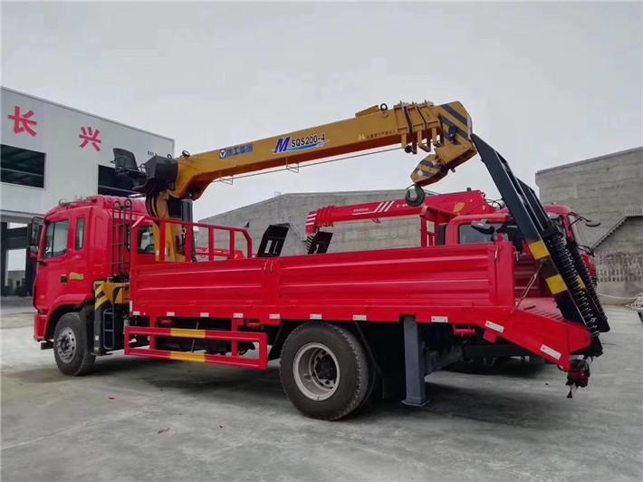 江淮K5格尔发单桥8吨随车吊,货箱带爬梯