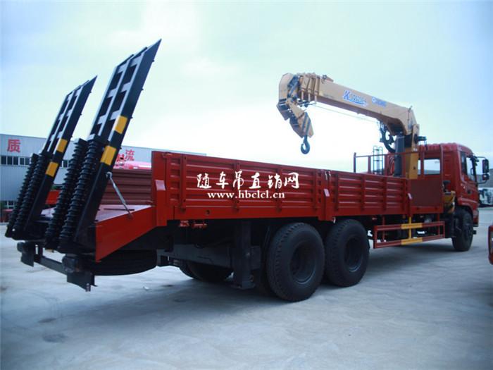 东风专底后八轮徐工10吨随车吊带爬梯展示C