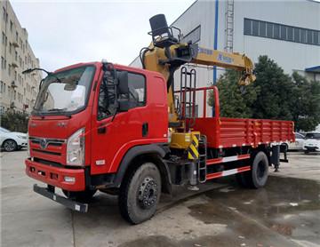 三环创客随车吊,徐工8吨吊机,玉柴160马力,货箱4.8米