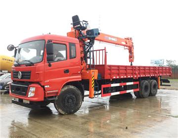 石煤12吨随车吊,臂长16.6米,货箱8.3米,载货30吨