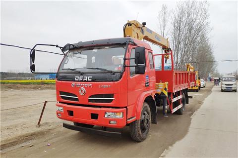 东风福瑞卡140马力徐工6.3吨SQS157-3随车吊