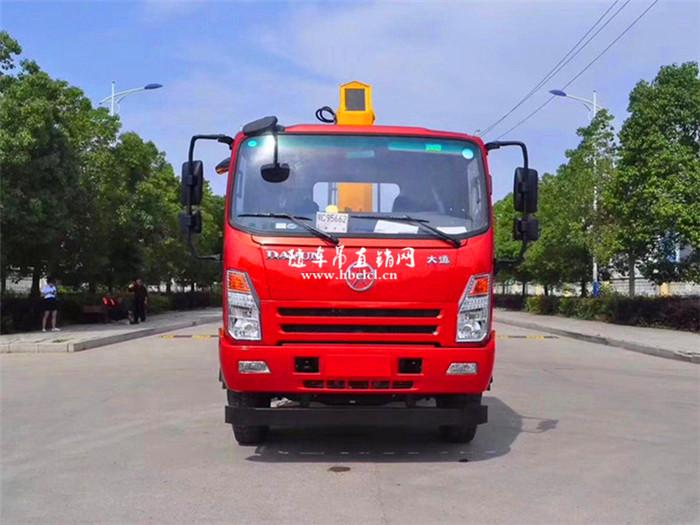 大运4米8货箱140马力程力6.3吨随车吊展示B