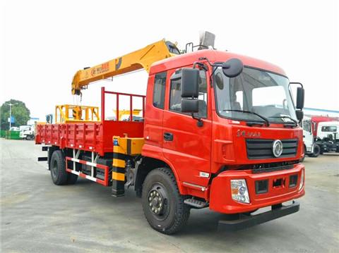 东风专底180马力5米8货箱程力霸龙8吨随车吊