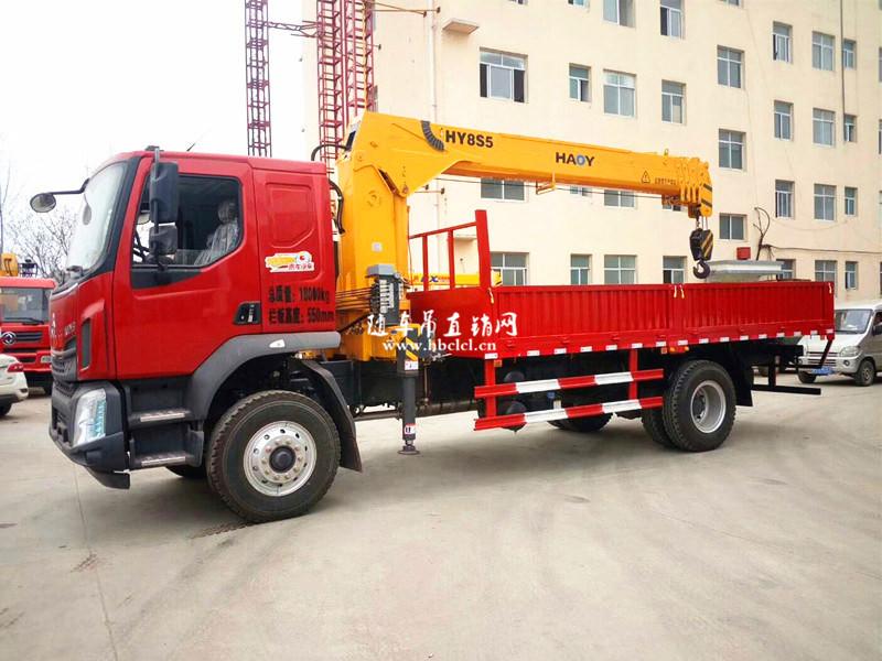 柳汽乘龙200马力5米8货箱8吨遥控随车吊展示C