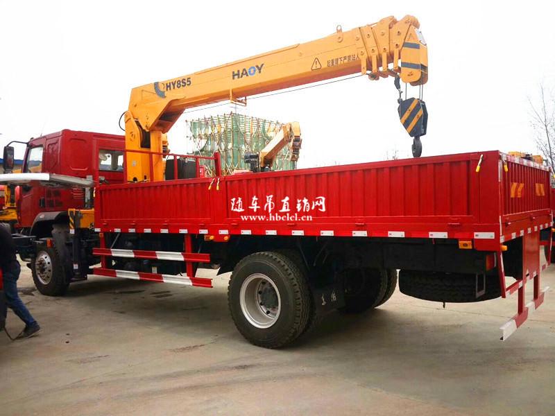 柳汽乘龙200马力5米8货箱8吨遥控随车吊展示D