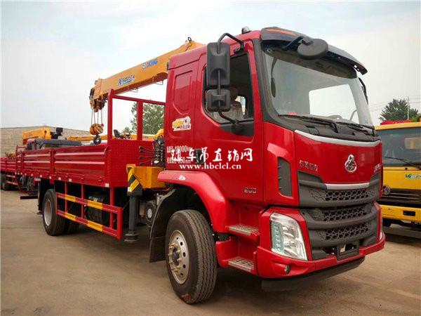 柳汽乘龙M3货箱5米8徐工6.3吨SQS157-4随车吊展示B