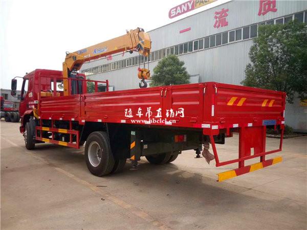 柳汽乘龙M3货箱5米8徐工6.3吨SQS157-4随车吊展示D