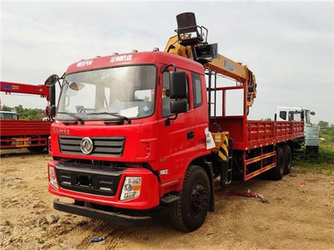 实惠更实用 东风后八轮12吨随车吊¥34.8万起
