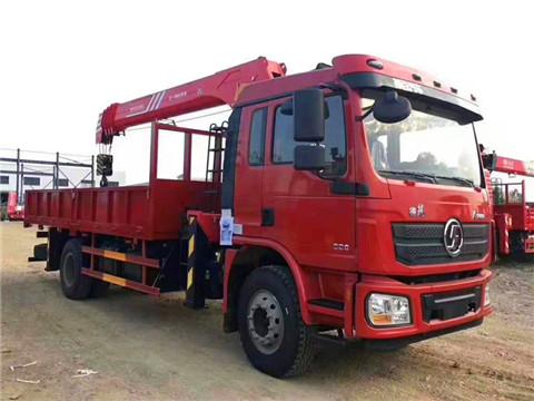 陕汽德龙8吨随车吊,潍柴220马力,单桥最大动力