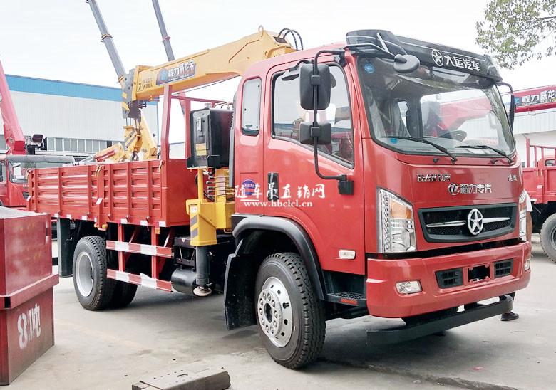 大运3900轴距4米3货箱程力威龙5吨随车吊展示C