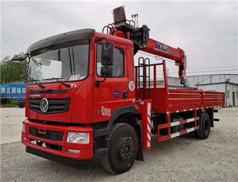东风T5单排6米1车厢程力威力8吨随车吊