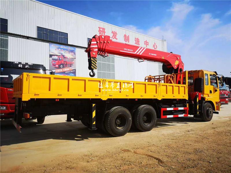 东风锦程V5短轴距后八轮三一12吨随车吊展示D