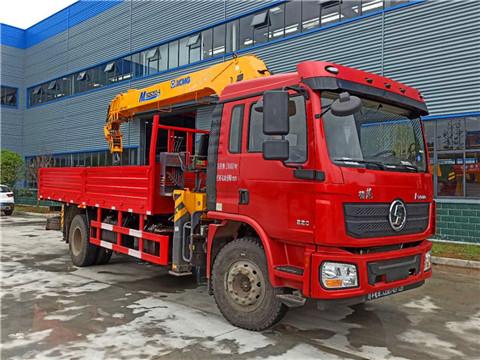 陕汽德龙潍柴220马力徐工8吨随车吊图片