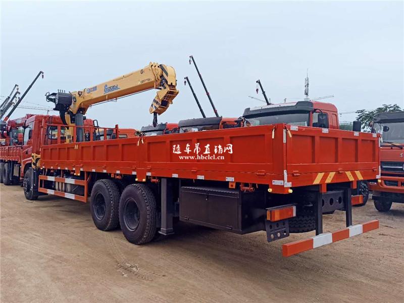 东风D17后八轮徐工G型12吨随车吊展示C