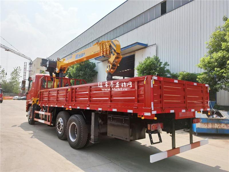 大运前二后六6米6货箱徐工8吨随车吊展示C