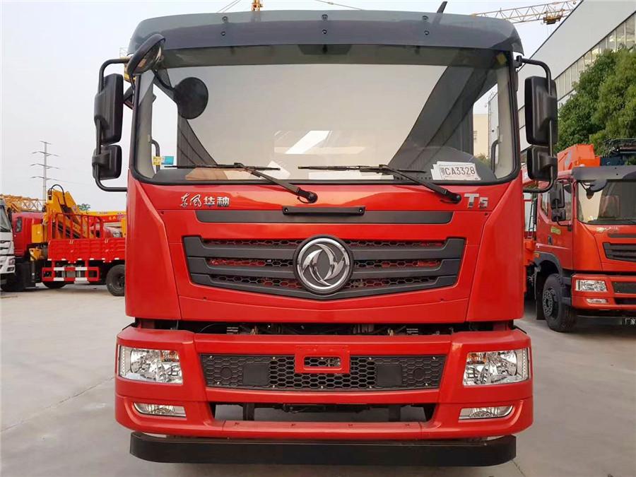 东风华神T5车厢6.1米徐工8吨折叠臂随车吊图片展示B