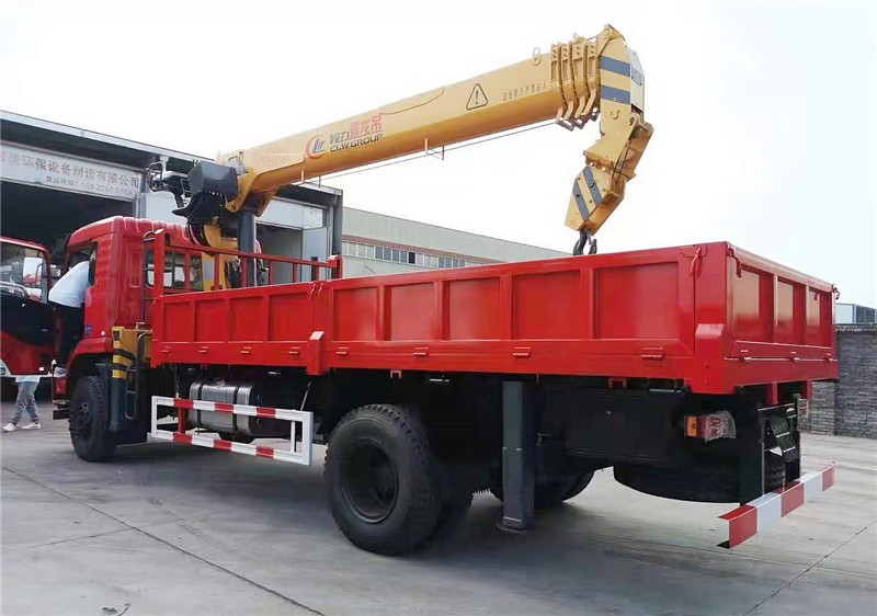 东风畅行D3程力霸龙8吨5节U型臂随车吊展示D