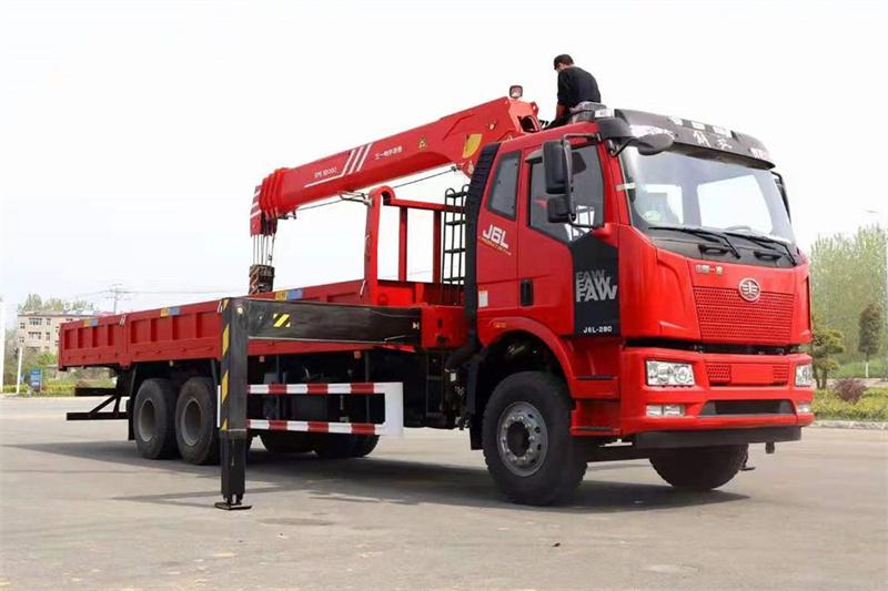 三一随车吊12吨最新款图片
