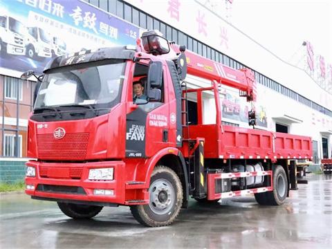 解放J6L 220马力 6米1 三一8吨随车吊