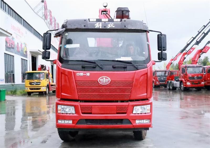 解放J6L 220马力 6米1 三一8吨随车吊展示C