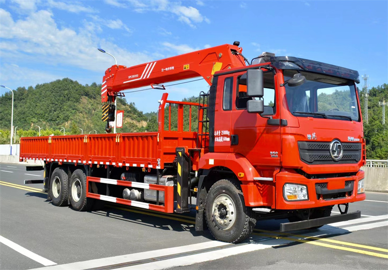 陕汽德龙 后八轮 国六300马力 三一14吨随车吊展示B