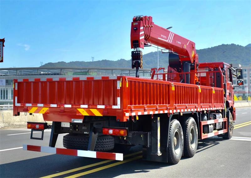 陕汽德龙 后八轮 国六300马力 三一14吨随车吊展示D