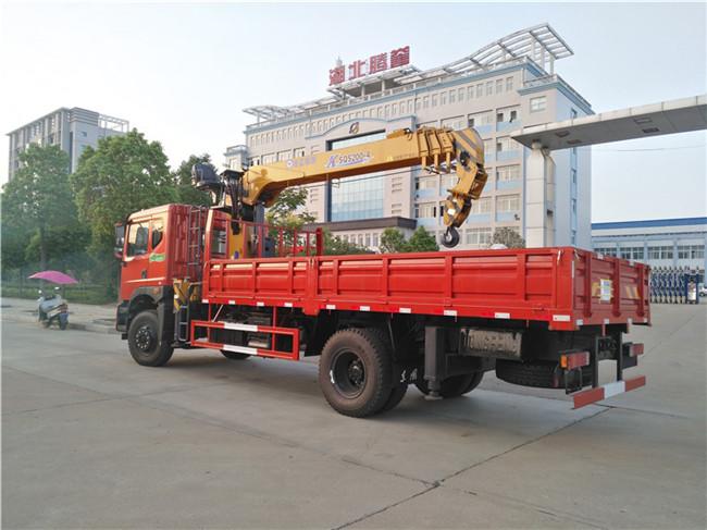 东风特商徐工8吨随车吊整车外观图片