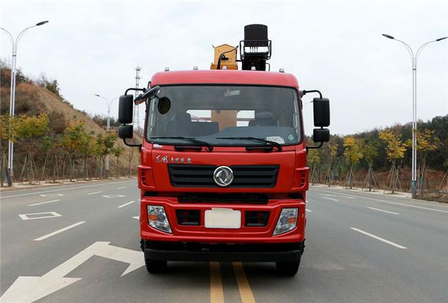东风前四后四12吨徐工随车吊整车外观展示