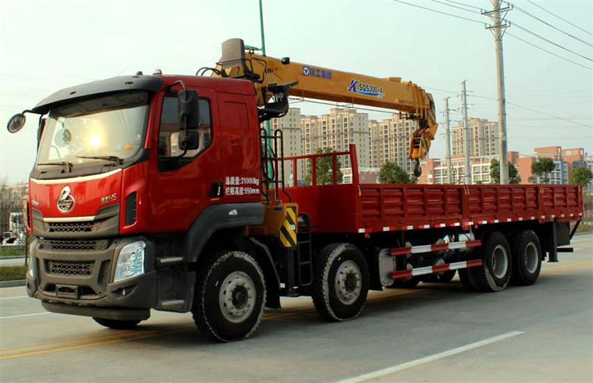 柳汽乘龙H5前四后八16吨随车吊,选装徐工16吨吊机