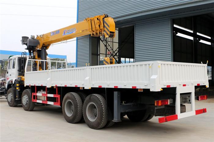 重汽斯太尔前四后八徐工16吨随车吊,双联泵加长臂