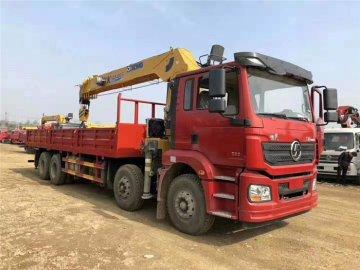陕汽德龙前四后八徐工16吨随车吊,潍柴336马力,货箱8.2米