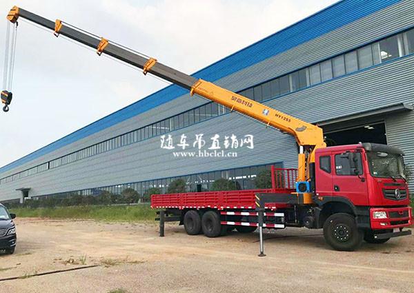 东风后八轮12吨遥控随车吊图片