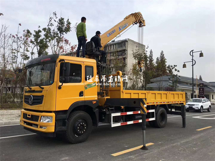 东风特商8吨双联泵徐工随车吊作业图片