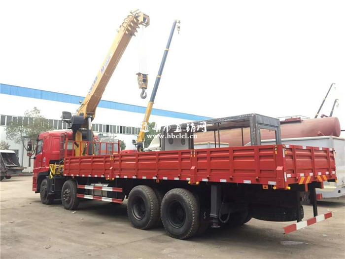 东风华神T7前四后八14吨徐工随车吊