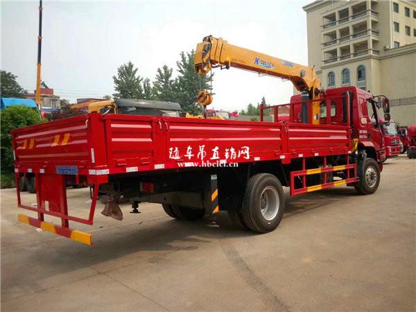 柳汽乘龙M3货箱5米8徐工6.3吨SQS157-4随车吊