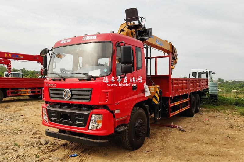 东风专底后八轮8米3徐工12吨SQS300-4随车吊