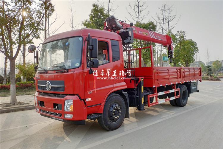 东风天锦5米6货箱三一8吨随车吊