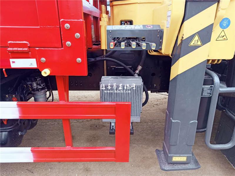散热器延长吊机使用寿命