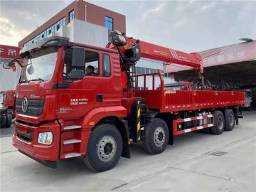 陕汽德龙 前四后八 国六350马力 三一18吨随车吊