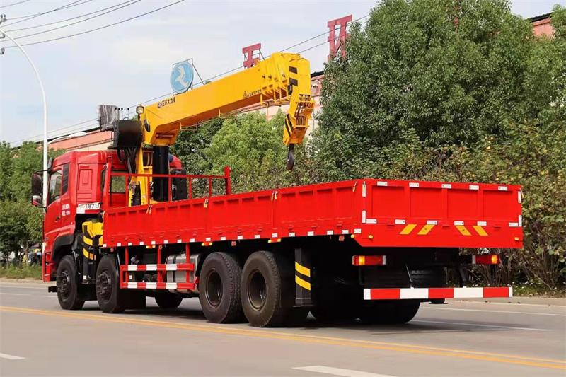 东风天龙16吨随车吊